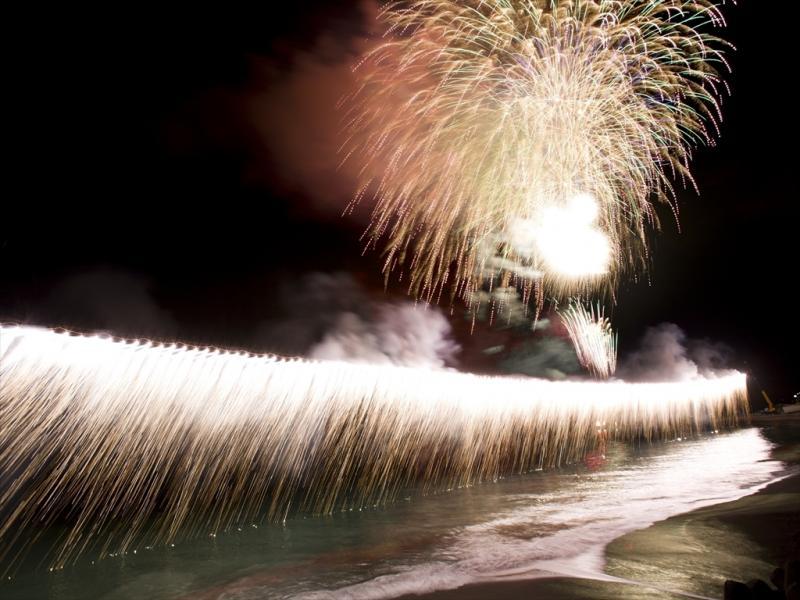 ダイビングの後は熱川花火大会を見よう!